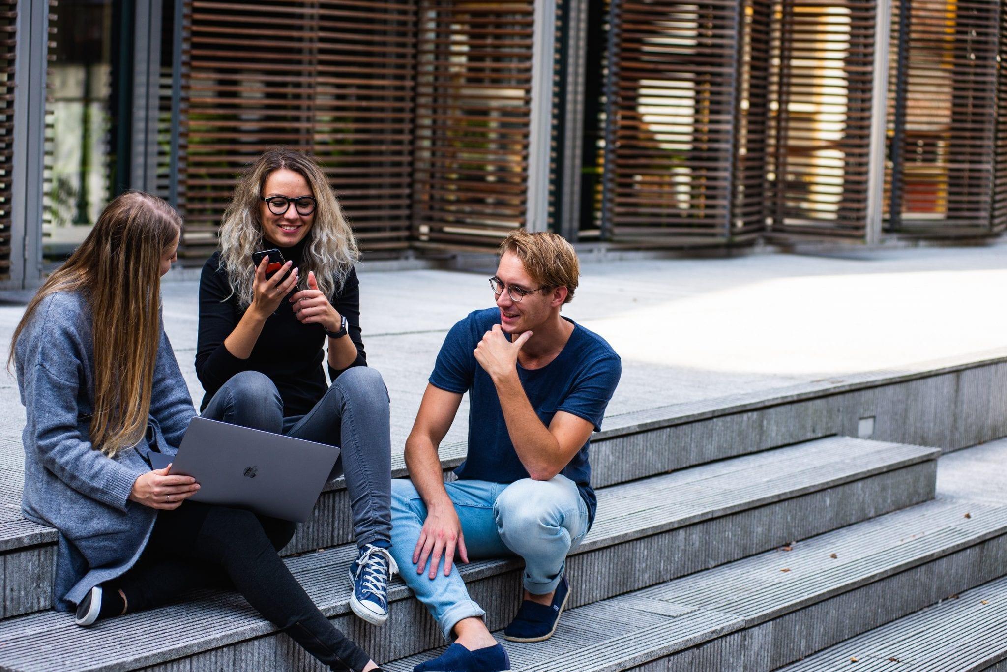 Hoe motiveer je millennials op de werkvloer?